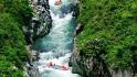 风啭河漂流景区