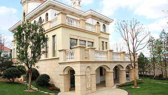 趙巷香水灣售樓處,開發商推出保留現房獨棟別墅,來電預約看房可享98折優惠