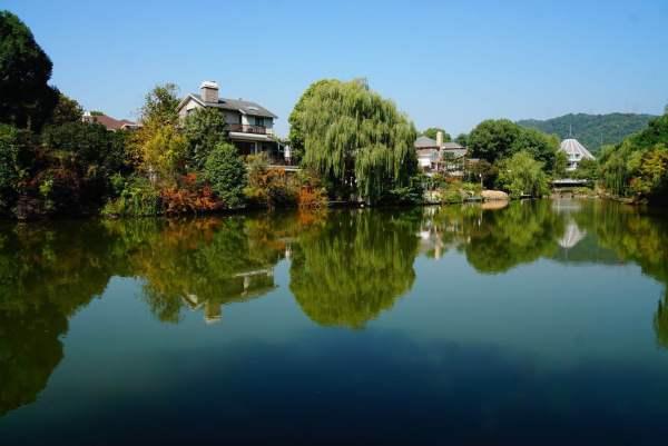 地段稀缺,不可复制:西湖风景区孤本土地,杭州顶级豪华