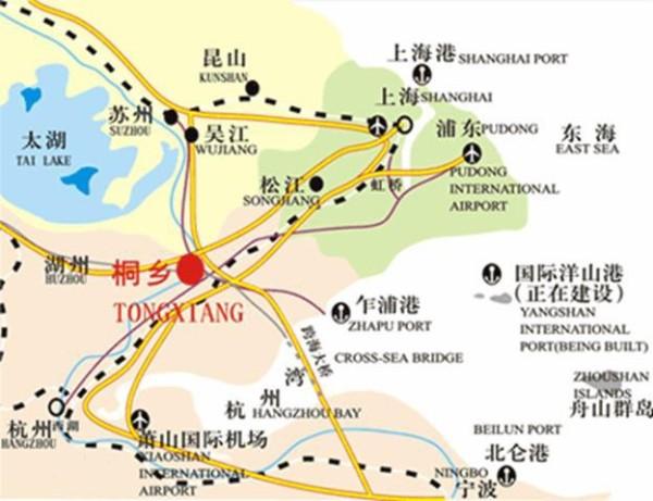 国道穿境而过,京杭大运河横贯全境,沪杭甬高速公路紧依其傍.