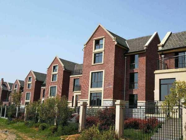 2元   类型:70年产权英伦风住宅和别墅 主力面积:独栋别墅460~640平