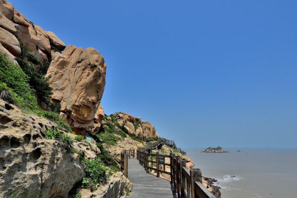 二小,三小嵊泗旅游景点166处,5a级景点3个,4a级景点14个,例如和尚套