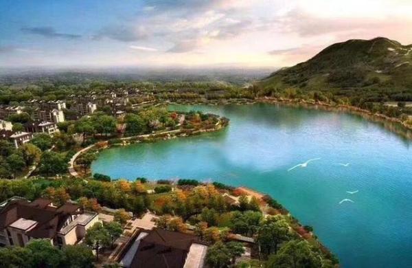 景区,茅山风景区范围内,东临道教第一洞天的茅山,西拥2000亩的茅山湖.