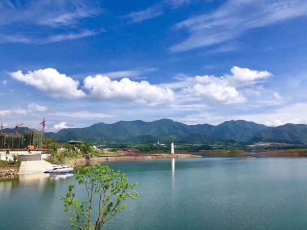 杭州淳安千岛湖六合浅山售楼处电话是多少?【官网】