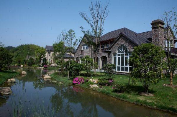 风景区孤本土地,杭州顶级豪华别墅的聚集区,升值空间不可预期; 2,唯一