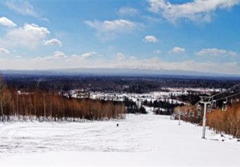 长白山滑雪场图片