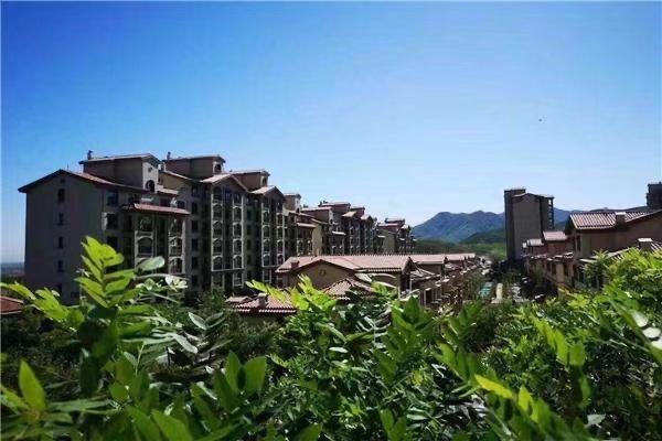 怀来房产:八达岭孔雀城合院毛坯240平米,赠花园露台