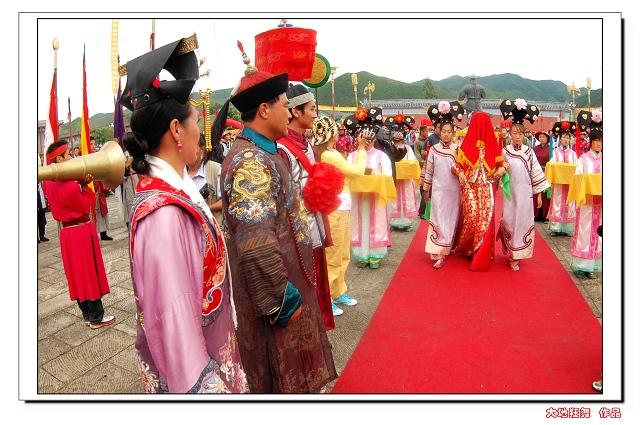 喀喇沁亲王府是清朝贡亲王的府地,始建于清康熙十八年(1629...